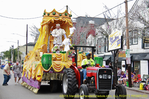 King Float, Krewe of Carrollton, 2016 - photo by Jules Richard