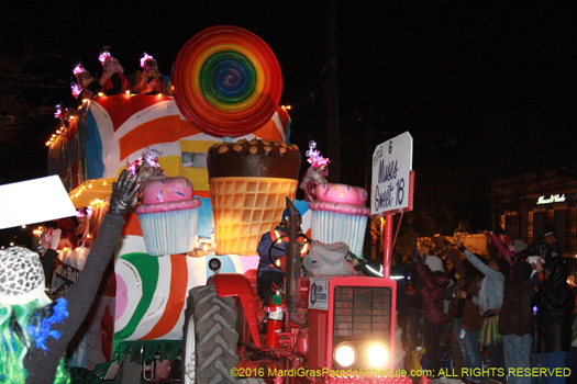 Sassy and witty Krewe of Muses parade in New Orleans - photo by Jules Richard