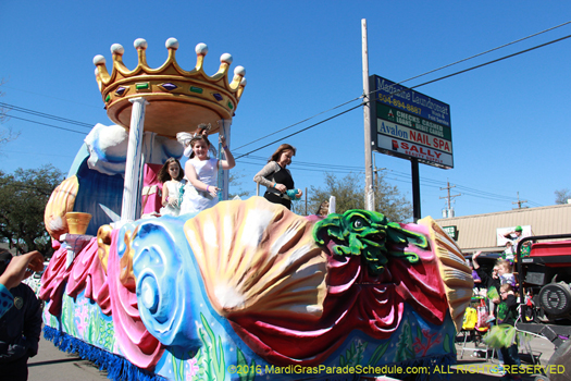 Queen 2016 Krewe of Okeanos - photo by Jules Richard