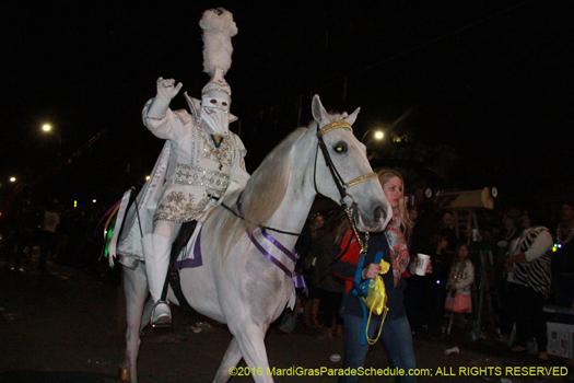 Captain of Le Krewe d'Etat Mardi GRas New Orleans 2016 - photo by Jules Richard