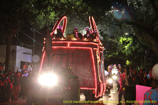 Signiture purse float in the Krewe of Nyx Mardi Gras parade - photo by Jules Richard
