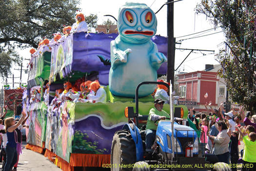 Womans Mardi Gras parade Krewe of Iris - photo by Jules Richard